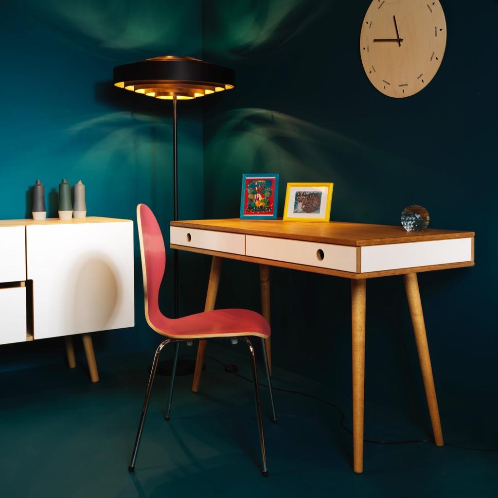 schreibtisch skandinavisches design kiefer schreibtisch. Black Bedroom Furniture Sets. Home Design Ideas