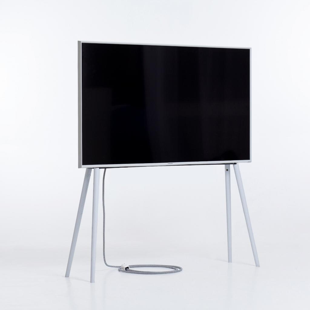 tv st nder mit holzf en birke lackiert. Black Bedroom Furniture Sets. Home Design Ideas
