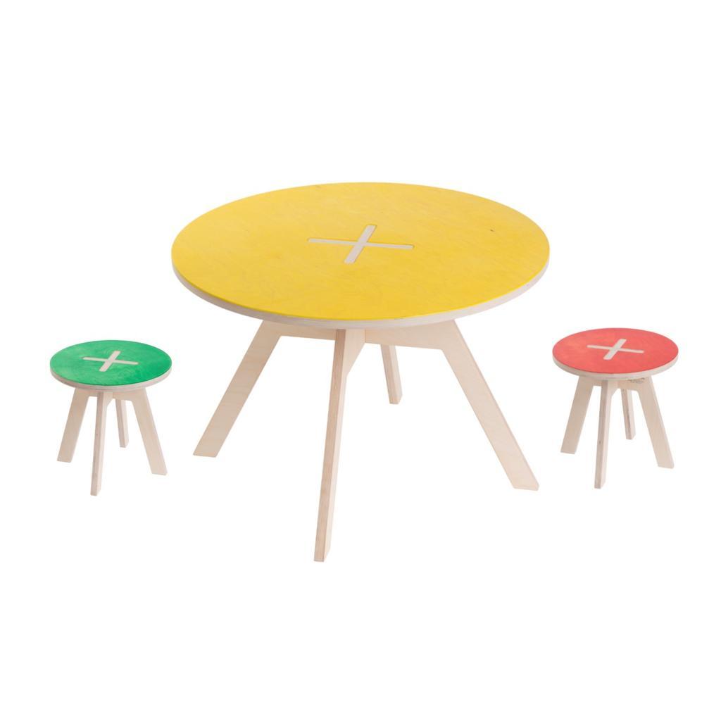 kindersitzgruppe aus holz verschiedene farben. Black Bedroom Furniture Sets. Home Design Ideas