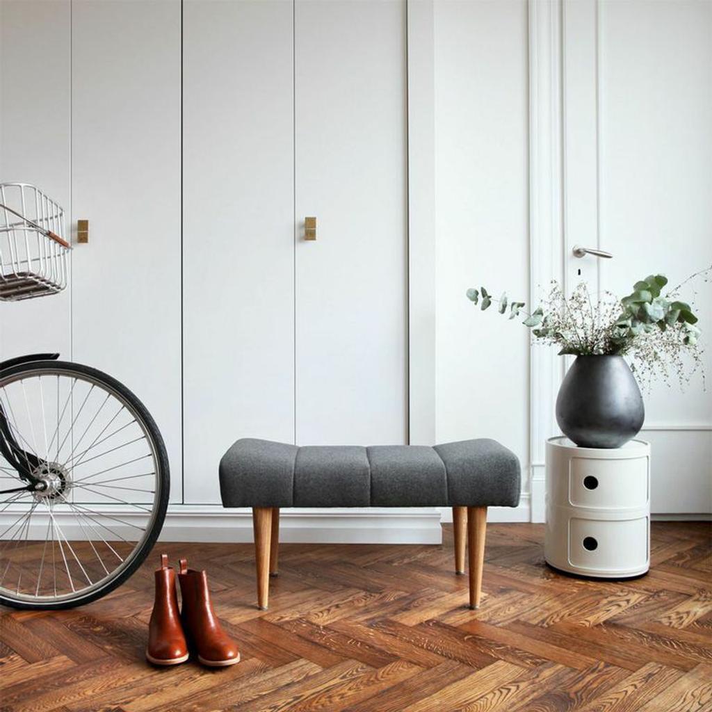 Skandinavisches design geschirr  Gepolsterter Sitzhocker - skandinavisches Design