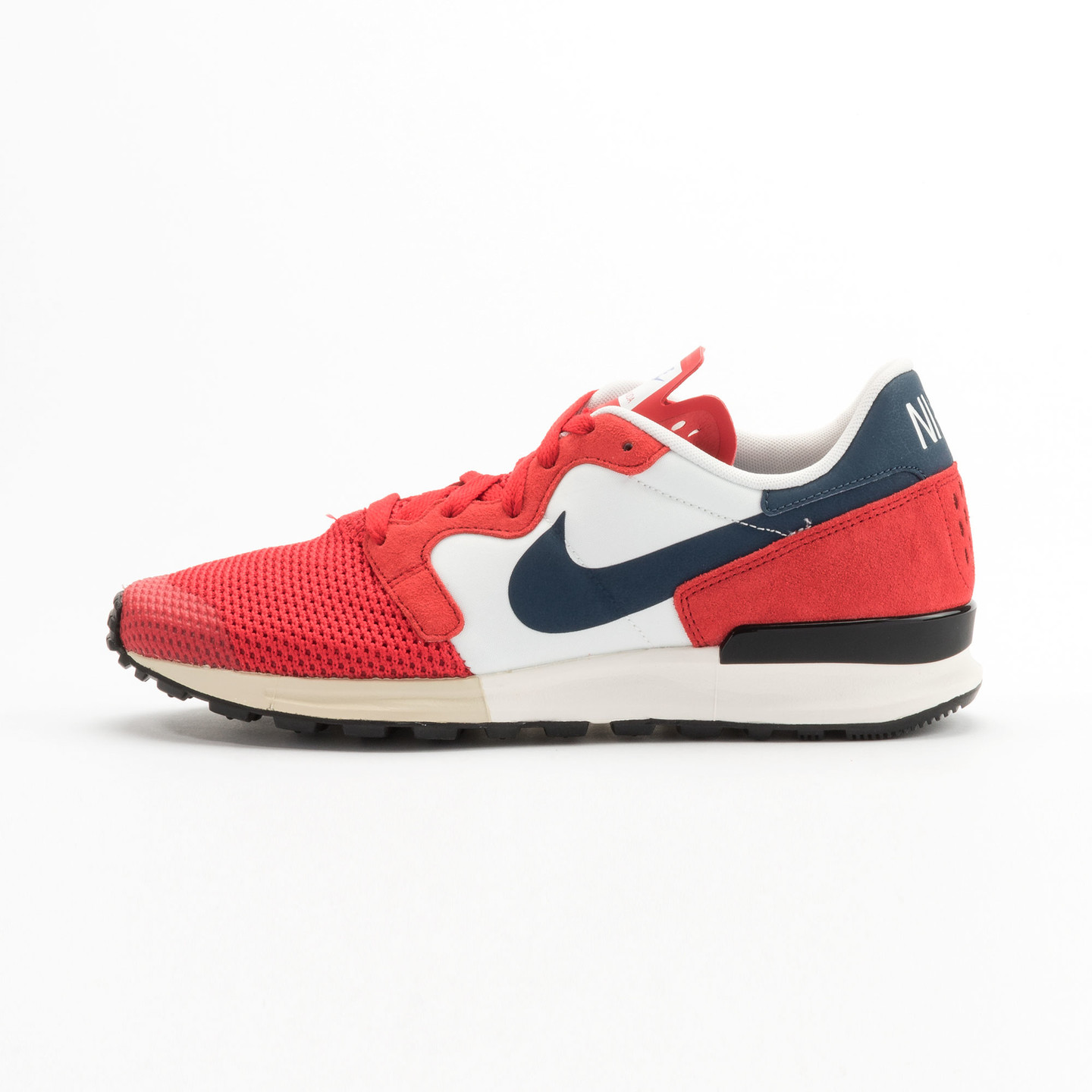 Nike Air Berwuda University Red / Squadron Blue / Summit White 555305-601-46