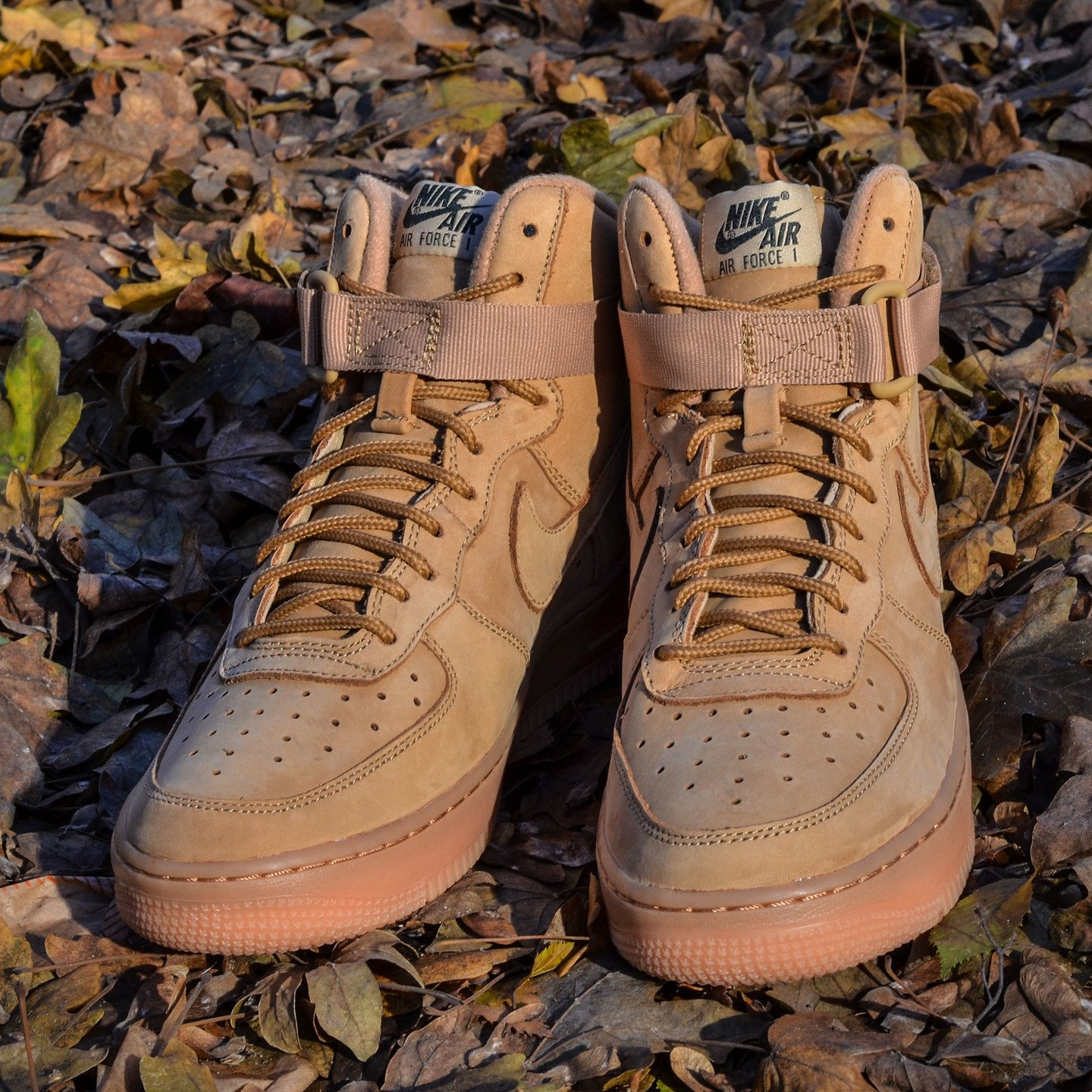 Nike Air Force 1 High '07 LV8 Flax / Gum 882096-200