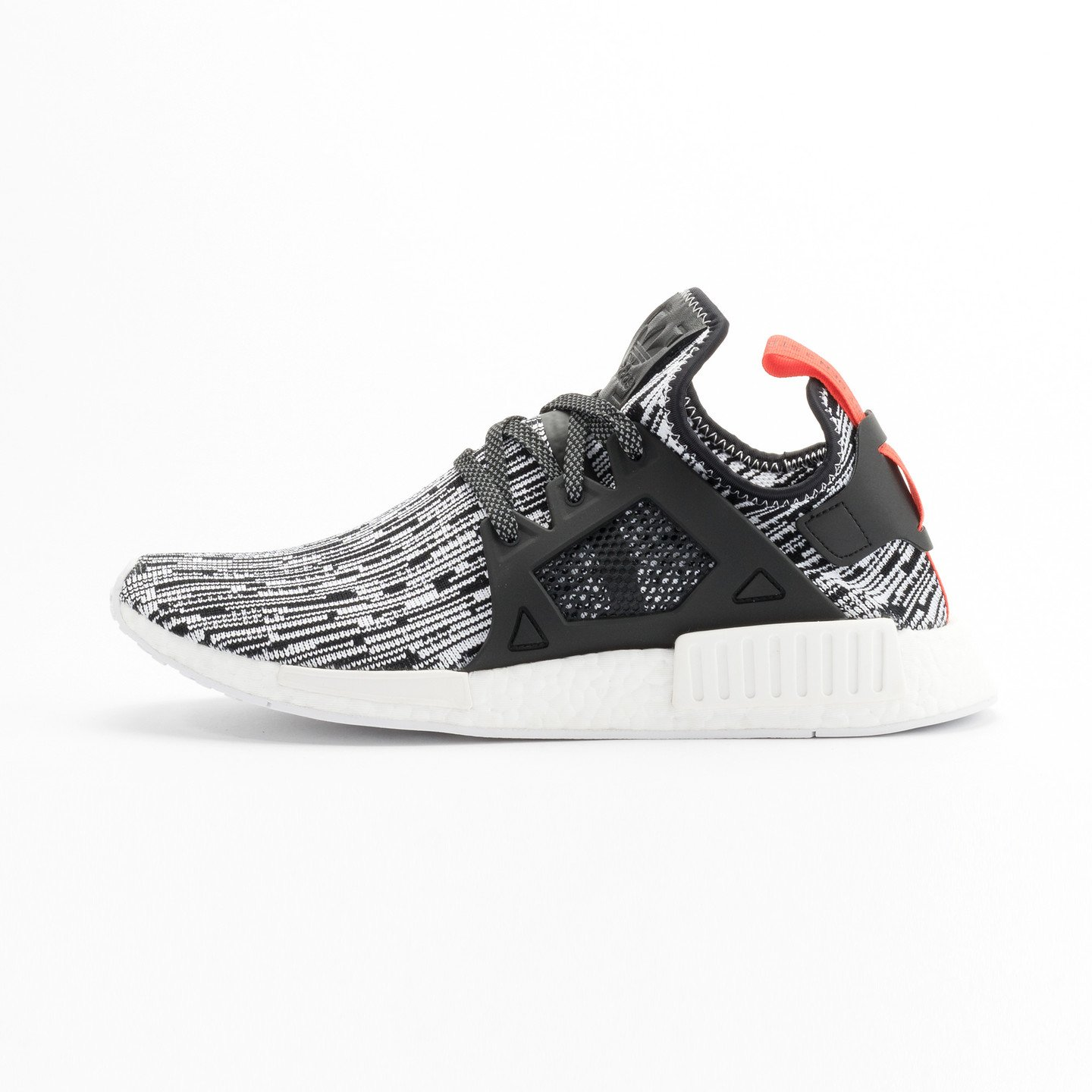 Adidas NMD XR1 Primeknit Running White / Core Black / Semi Solar Red S32216-46.66