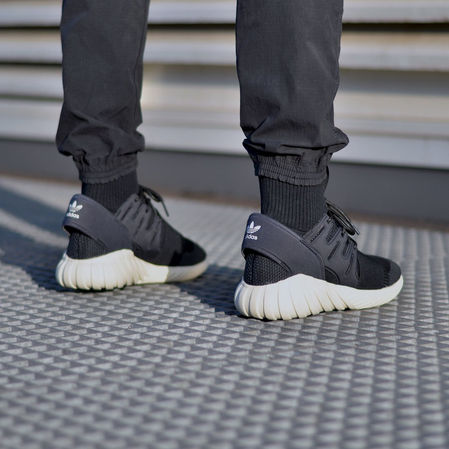 Adidas Tubular Doom Primeknit Black / Cream White S74921-42.66