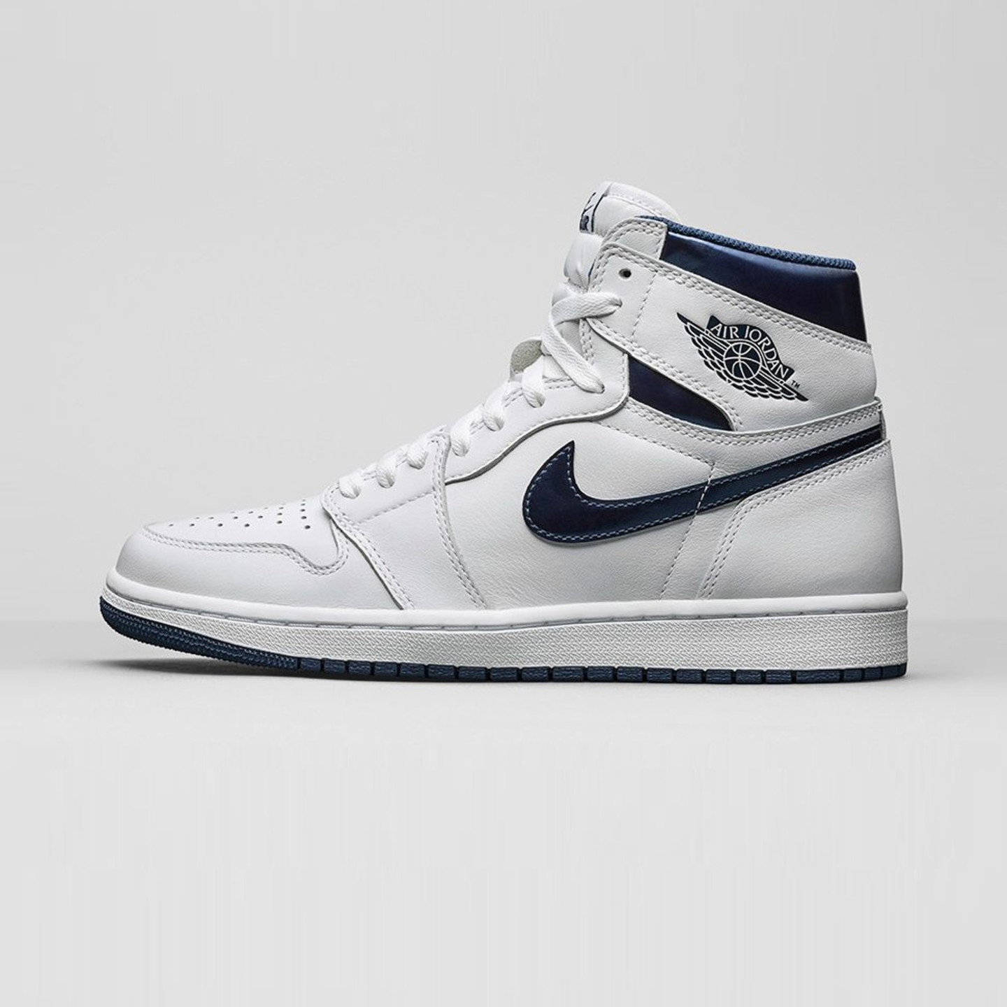 Jordan Air Jordan 1 Retro High OG 'Metallic Navy' White / Midnight Navy 555088-106-45