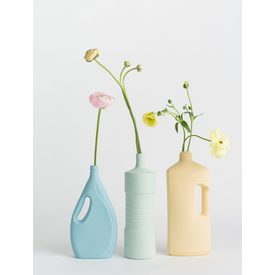 Porcelain Bottle Vase #7 Light Blue von Foekje Fleur |  | Artikelnummer: 17 Light Blue