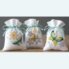 Assortiment kruidenzakjes - Butterflies and Flowers - Handwerkpakketjes met telpatroon Vervaco |  | Artikelnummer: vvc-164285