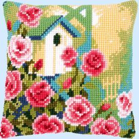Birdhouse and Roses - Vervaco Kruissteekkussen |  | Artikelnummer: vvc-153772