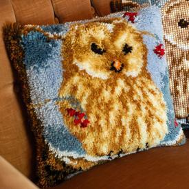 Winter Owl - smyrna kussen Vervaco | Knoopkussen met uil in de sneeuw | Artikelnummer: vvc-157914
