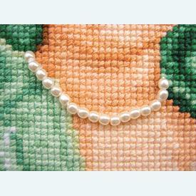 Doll in Green Dress - borduurpakket met telpatroon Vervaco |  | Artikelnummer: vvc-75031