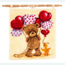 Popcorn - Beautiful Balloons - knooptapijt Vervaco | Smyrna tapijt met Popcorn teddybeer | Artikelnummer: vvc-145799