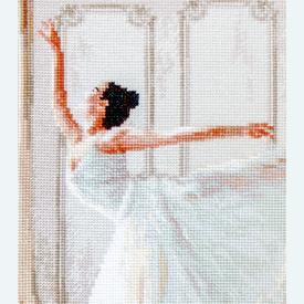 Ballerina - borduurpakket met telpatroon Letistitch |  | Artikelnummer: leti-901