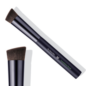 Foundation Brush | angeschrägter Grundierungs-Pinsel | Artikelnummer: 4020829042384