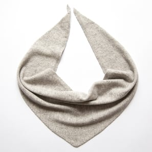 Triangle Scarf Ajour | 100% Cashmere, Colour: Light Grey Mélange | Code: 0716AS040181X