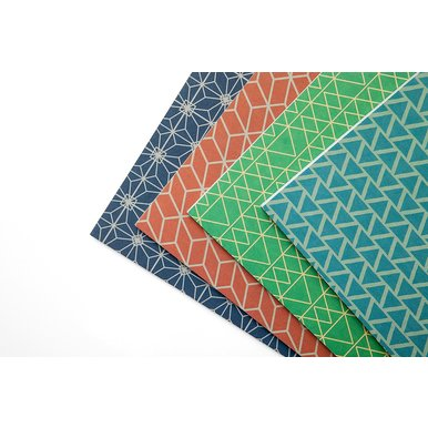 Gemusterte Schreibhefte aus Griechenland / Patterned Ruled Notebooks from Greece | Blaue Dreiecke / Blue Triangles | Artikelnummer: kontor-dreiecke