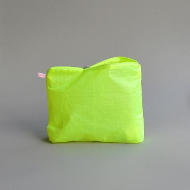 Magic Pouch Large (Neon Yellow) von kolor | 22 x 28cm | Artikelnummer: 14.06.l