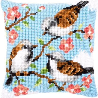 Birds between Flowers - Vervaco Kruissteekkussen |  | Artikelnummer: vvc-145156