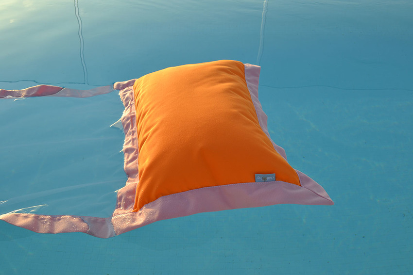 Floating Hammock Tricolore (SH2019-TRI) – Floating Cushion  price: € 185.-