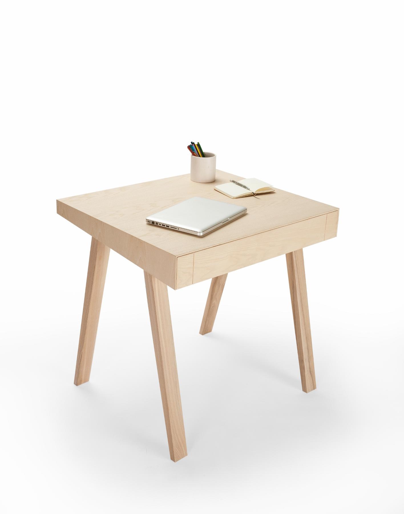 innovativer designer b rotisch 4 9 aus massivholz emko. Black Bedroom Furniture Sets. Home Design Ideas