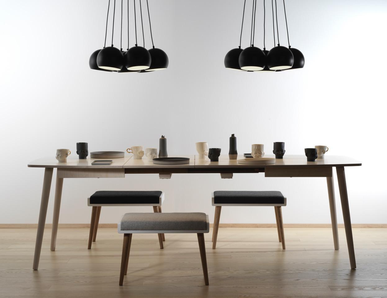 Ausziehbare Küchentisch aus Holz - skandinavisches Design