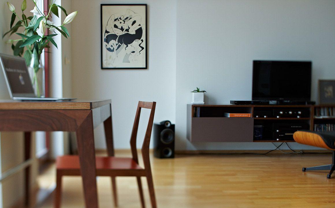 Minimalistischer holzstuhl aus esche mint furniture for Holzstuhl modern